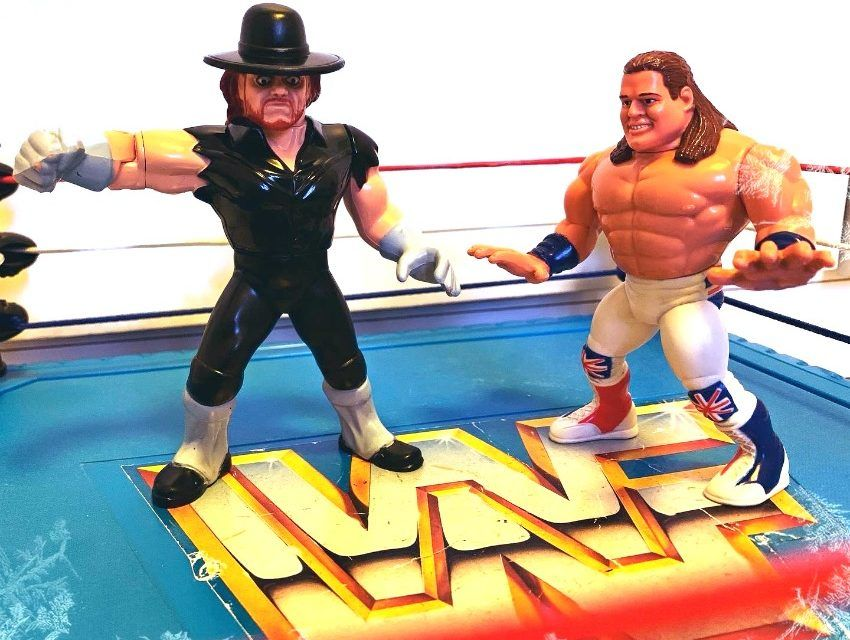 THE UNDERTAKER vs THE BRITISH BULLDOG