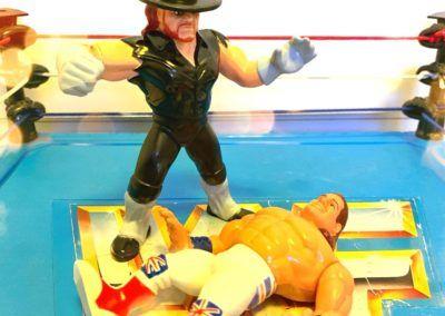The Undertaker VS The British Bulldog - Bulldog am Boden