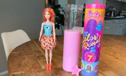 Barbie Color Reveal – Barbie geht baden
